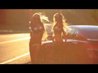 Клубная музыка и танцы девушек HD