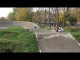 Покатушки на питбайке , по Bmx трассе)