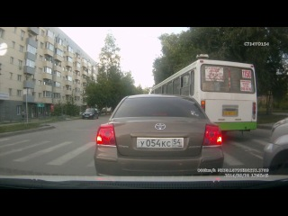 Типичный НСК ... проезд перекрестка с нарушением требований знаков