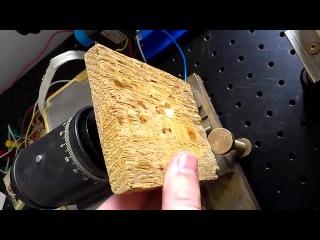 СО2 лазер дальнего ИК диапазона(10,6мкм) против деревянного бруска