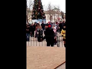 Джанкоец отжигает на открытии елки :)))