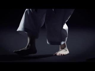 世界一の女性空手家 宇佐美里香出演 WebCM第1弾「ちゃぶ台を・・・」 Female Karate Rika Usami