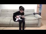 Мелкая жегт на электро гитаре