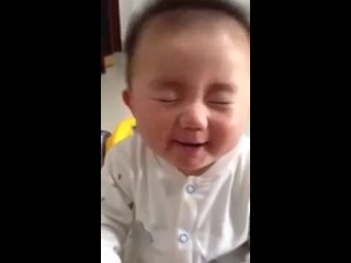 ребеноку дали лимон! 1000 раз смотрел