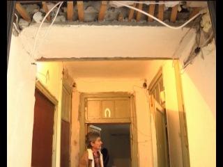 дом на ул. Перекопская постепенно рушится