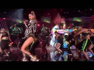 Ферджи и YG исполняют «L.A.Love (La La) (Remix)»