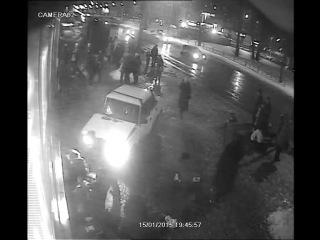 Видеозапись ДТП на проспекте А. Корсунова в районе ТЦ «Славянская ярмарка» 15 января 2015 года