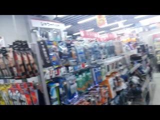 в магазине электротоваров-1(в Токио)