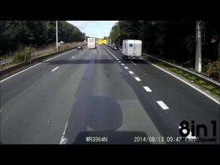 Страшная авария - ДТП в Бельгии, машина влетает под фуру, а затем ей в бок врезается грузовик / Crash of a motorist on the E40 in Belgium