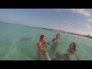 swimming with my girls )) plavaem)