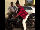 I love the sound of my new bike (Nigga Vine)