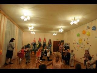 вальс в детском саду у крестници Дарюши на праздник день матери
