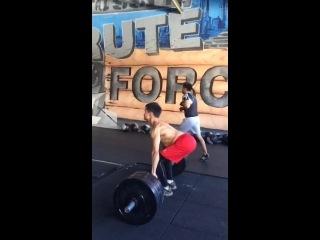 Становая тяга 295 фунтов 135 кг 3 повторения Слоумоушн