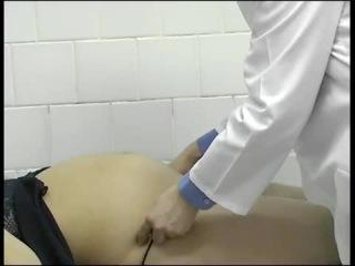 Осмотр беременной в зеркалах