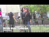 Холли Мари Комбз и Шеннен Доэрти на записи интервью для E! News 7 января 2015