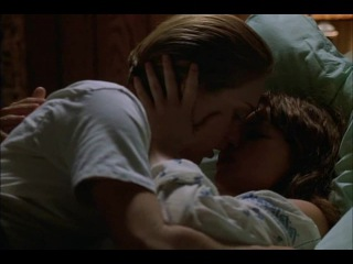 Chloe Sevigny, Michelle Williams - If These Walls Could Talk 2 (2000)