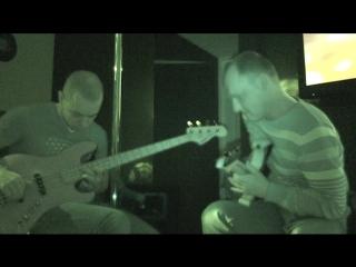 Ч.2 Концерт Юклашев (бас), Новиков (гитара) в баре Солнце г. Иваново 24.01.2015 г.