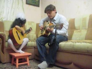 Джазовое произведение Take Five (Д.Брубек), переложение для двух гитар. Таня Колева, 7 лет. Стаж игры 10 месяцев.