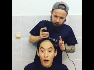 Никогда не отвлекайте парикмахера