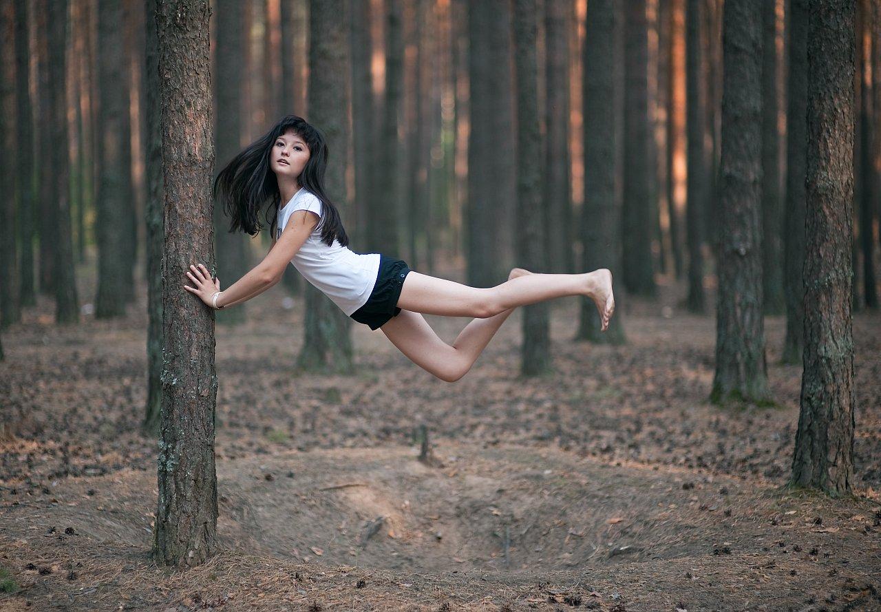 Фото девочек в лесу 18 лет 9 фотография