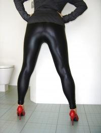 Писсинг через одежду фото 696-301