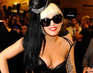 Lady Gaga продала миллион дисков за неделю
