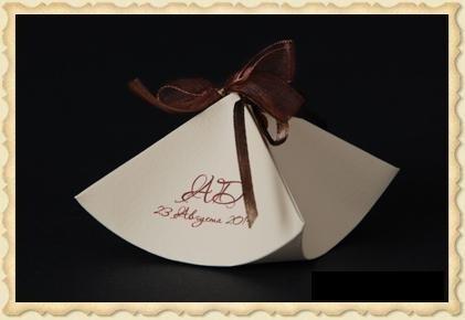 Бонбоньерки, коробочки для конфет.