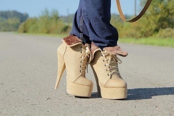 Я девочка. Я не хочу ничего решать. Я хочу новые туфли и шоколадку.