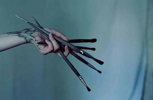 рисовать твои руки, читать твои мысли.. Комментариев еще нет