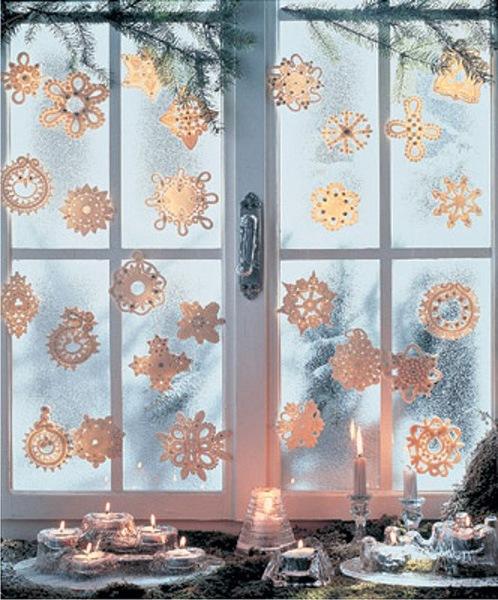 рисуем на окне новогодний рисунок.