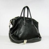 Купить кожаную сумка Givenchy в Киеве.