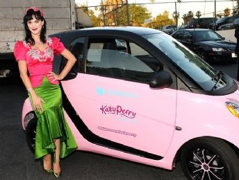 Katy Perry's Pink Smart Car