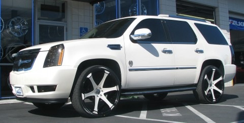 Vote on Vernon Davis' 2 Escalades