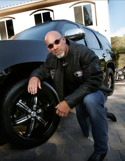 Bill Goldberg with MOZ Wheels on his Tahoe