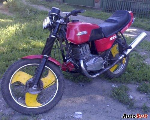 Продаю Ява 350-638 (12V) На ходу, в хорошем состоянии, с документами, красного цвета.