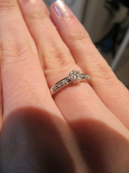 Подарил кольцо не по размеру