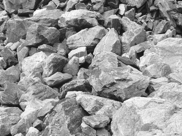 камни в цее