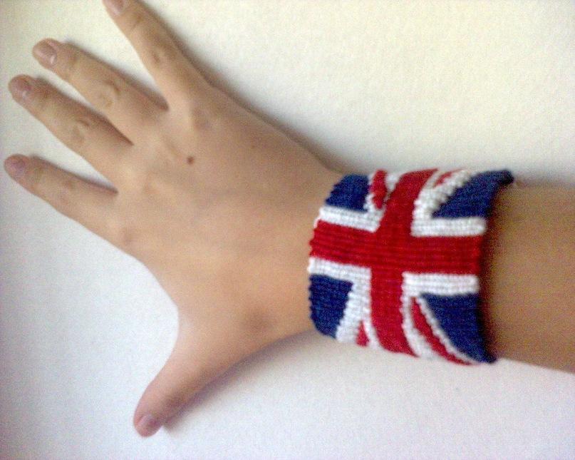 схема плетения брелок британский флаг из бисера картинка - Уголок конструктора.