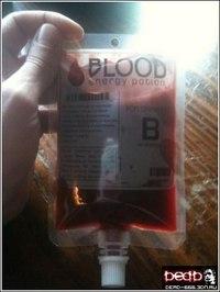 ...в форме пакета для переливания крови, Лучший энергетический напиток.
