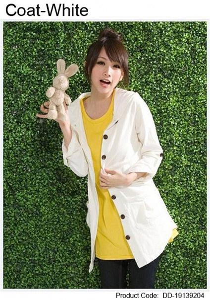 Женская одежда Пальто Пальто белого с капюшоном.
