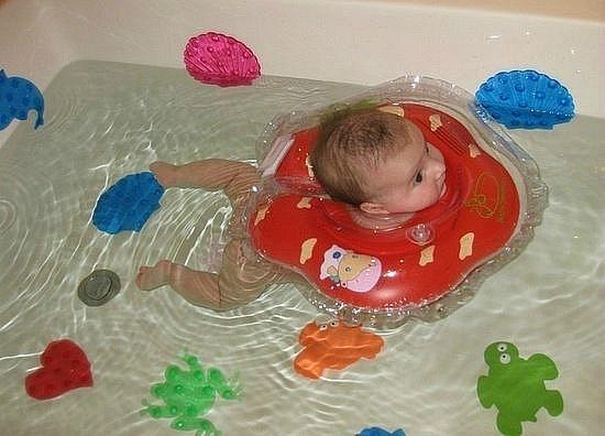 Противоскользящие мини-коврики для ванны.