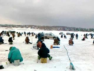 Рыбалка зимой Апрель Пермь Ильинский.mp4