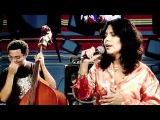 Patty Ascher canta