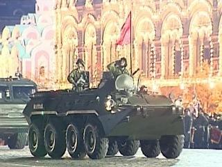 В Москве министр обороны России принял последнюю ночную репетицию Парада Победы - Первый канал