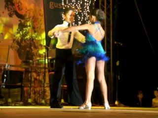 Гагаузская малышка - мастер бальных танцев