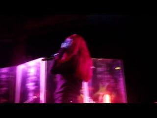Lena Katina feat. Julia Volkova - Fly On The Wall (Live Mix)
