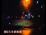 Бабка тварь ночью через дорогу  на красный перебегала