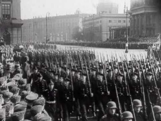 Строевой смотр войск вермахта А.Гитлером в 1941 году.