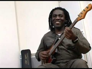Richard Bona's new Bass: De Gier BeBop, part 3