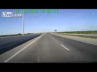 Водителю несказанно повезло на дороге!!!